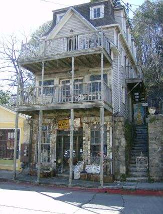 Eureka Springs by Ronda West (all rights reserved)